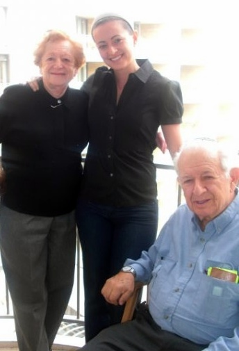 Marilyn and Manny Sklar (with Becca)